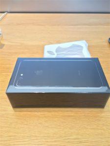iPhone7Plusジェットブラック、プレミアの黒い箱です!!