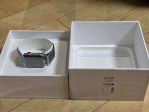 Apple Watchの箱をオープン!ドキドキしちゃいますよ!!