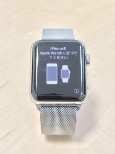 いよいよApple WatchとiiPhoneをペアリングかな。